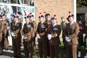 Fusiliers greeting new recruits at ITC (1)
